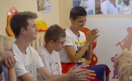 Ekipa telewizyjna Super Polsat w Fundacji robi program o dogoterapii